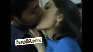 Indian desi girlfriend dont want to let her boyfriend go without kissing -