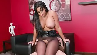 Mary Jean' chubby body is all a hunk wants to penetrate